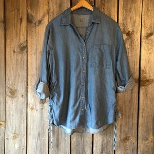Charlotte Russe | Chambray Button Down